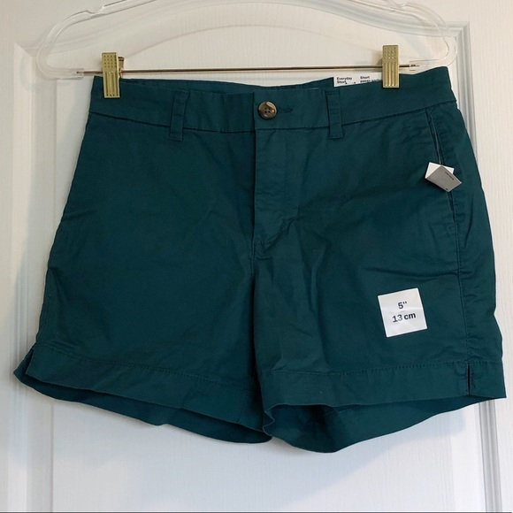 """🛍 3/$20 SALE - NWT Green Old Navy 5"""" Shorts"""